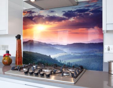Sunrise-Hills-Pines-Picture-Glass-Hob-Splashback-1600-U-web